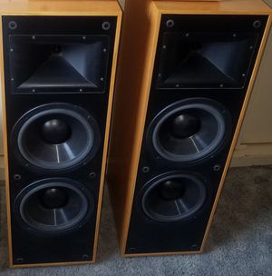A Pair of Klipsch Tower Speakers in Excellent condition for Sale in Alhambra, CA