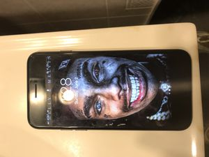iPhone 7 AT&T ($250 or $220) small scratch on bottom corner for Sale in Alexandria, LA