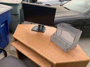 Office desk and chair and computer for Sale in Fresno, CA