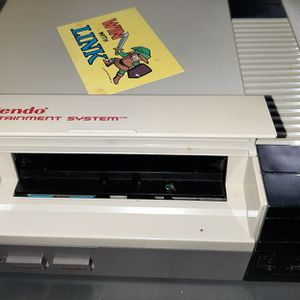 Vintage Original Nintendo NES Console (No Cord, Untested) + 5 Games for Sale in Woodbridge, VA