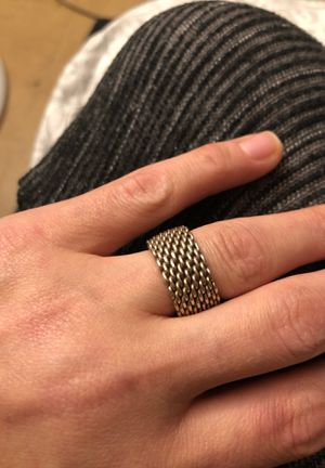 Authentic Tiffany mesh ring size 6 for Sale in Maywood, IL