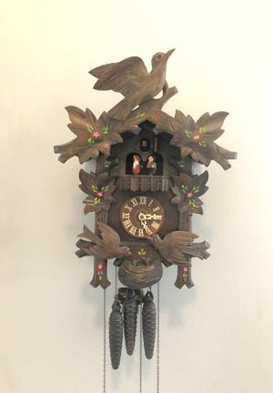 21In Moving Birds German Black Forest 8 Day Cuckoo Clock With Music for Sale in Fond du Lac, WI