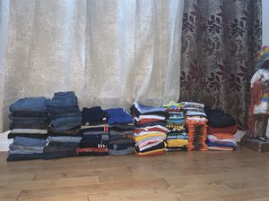 Bulk (219 pieces) of clothes for Sale in North Brunswick Township, NJ