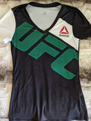 Reebok UFC Men's shirt for Sale in Wood Dale, IL