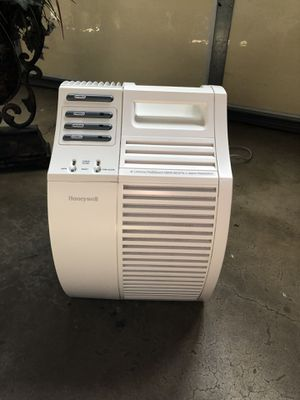 Honeywell humidifier for Sale in Garden Grove, CA