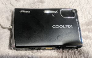 Nikon Coolpix S50 7.2MP Digital Camera with 3x Optical Vibration Reduction Zoom for Sale in Sacramento, CA