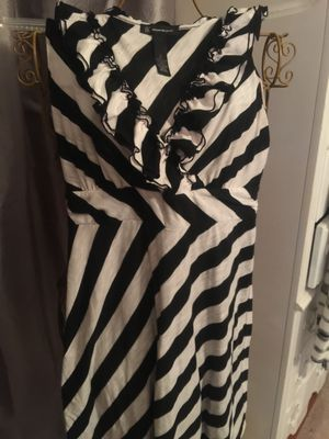 misses designer black and white soft cotton stretch summer dress ruffle front euc clean non smoke home size large limited brand for Sale in Northfield, OH
