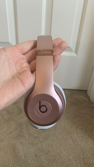Beats by Dr. Dre - Beats Solo³ Wireless Headphones - Rose Gold for Sale in Poway, CA
