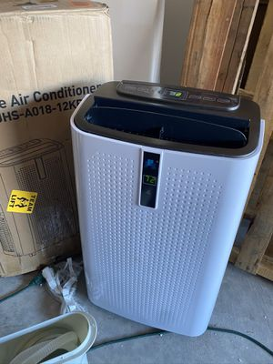 JHS 12000 BTU portable air conditioner with dehumidifier and new excellent condition never used come.d the hose window only for Sale in Las Vegas, NV