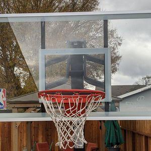 Spalding Glass Backboard And Breakaway Rim for Sale in Clarksburg, CA