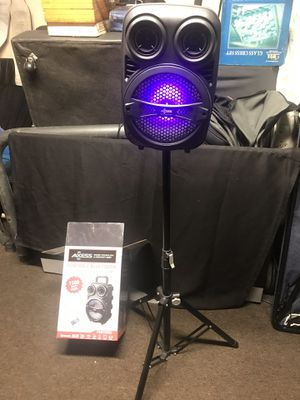 """8""""BLUETOOTH SPEAKER RECHARGEABLE with STAND for Sale in Los Angeles, CA"""