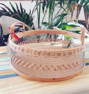 Woven Round basket with Handles for Sale in Fort Myers, FL