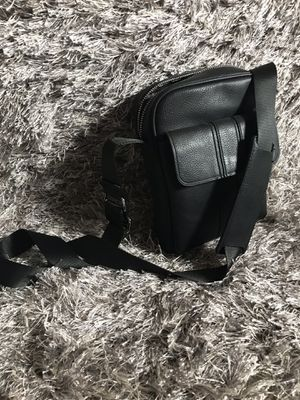 NWT men's black faux leather messenger bag for Sale in Baltimore, MD