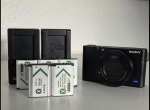 Sony RX100v with water housing 4K for Sale in Midway City, CA