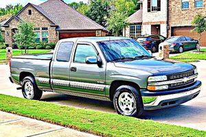 ֆ12OO 4WD CHEVY SILVERADO 4WD for Sale in Wichita, KS