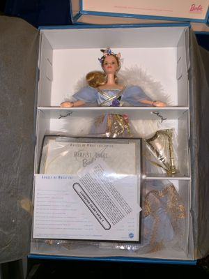 BRAND NEW, mint condition, harpist angel Barbie 1999 for Sale in Hightstown, NJ