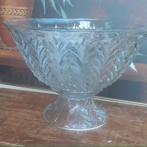 Vintage Punch Bowl Princess Feather With Matching Pedestal for Sale in Virginia Beach, VA