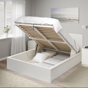 Ikea Malm Storage Bed White Full Size for Sale in Los Angeles, CA