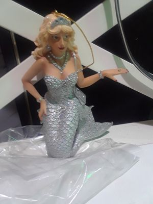 Cubic Zirconia Mermaid $20.00 cash only (serious buyers) for Sale in Dallas, TX