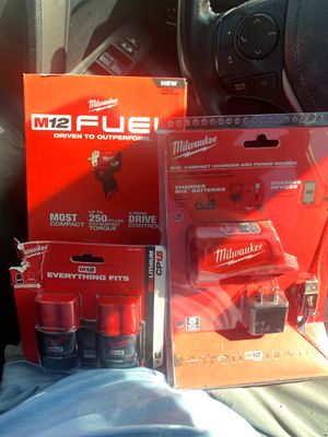 "M12 FUEL Milwaukee 3/8"" Stubby Impact Wrench 