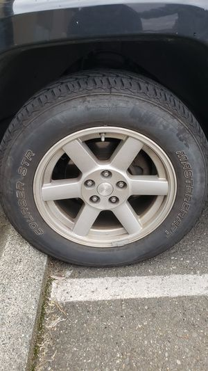 "Set of 5 Wheels and Tires 17"" wheels 235/65/17 for Sale in Lynnwood, WA"
