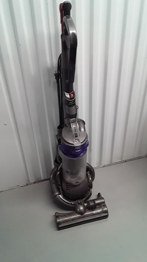 Dyson DC25 bagless pet vacuum for Sale in Hollywood, FL