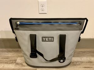 Yeti Hopper Two 30 Soft Cooler - Gray for Sale in Arlington, TX