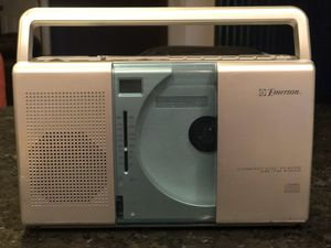 EMERSON compact CD player/AM FM radio for Sale in Cape Coral, FL