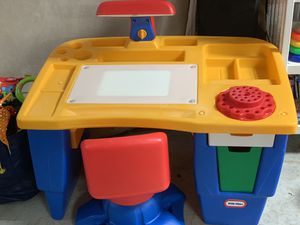 Little Tikes Art & Tracing Desk for Sale in Rockville, MD