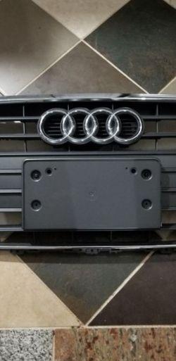 Audi grill 2014/15 for Sale in Oatfield,  OR