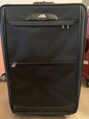 Samsonite Rolling Suitcase Black for Sale in Pittsburgh, PA