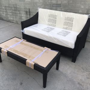 Outdoor Patio Wicker 2-seater Couch And Glass Coffee Table | White Cushions for Sale in South Pasadena, CA