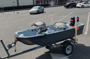 Bass Hound 10.2, 5hp Mercury 2 stroke, and Trailer for Sale in Clearwater, FL