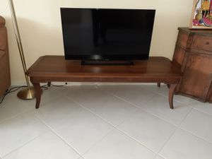 VINTAGE SOLID WOOD DREXLER FURNITURE COFFEE TABLE TV STAND CAN HOLD A LARGE TV for Sale in Pompano Beach, FL