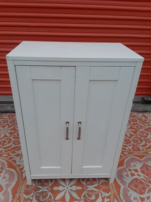 White Cabinet - DELIVERY POSSIBLE for Sale in Austin, TX