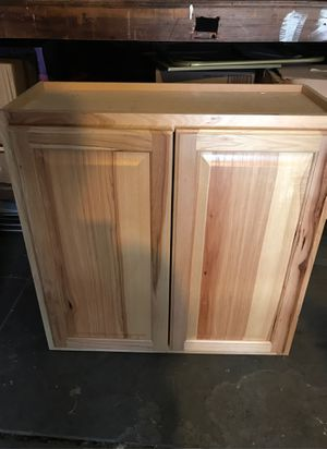 To kitchen cabinets for Sale in Huntington Park, CA