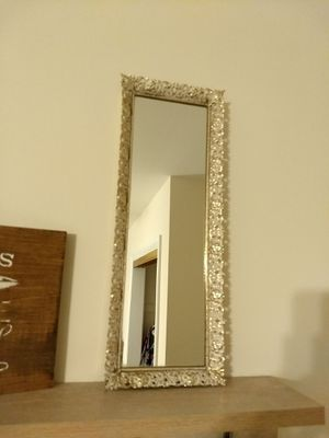 Narrow Vintage Mirror for Sale in Carpentersville, IL