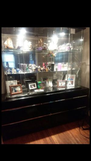curio cabinet for Sale in Lake Charles, LA