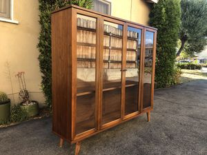 Mid century/modern bookcase for Sale in Arcadia, CA