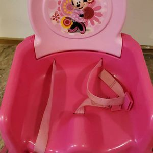 Minnie Boosting Chair for Sale in Bend, OR