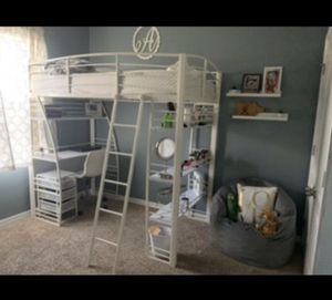 Barely used bunk bed with desk for Sale in Winter Haven, FL