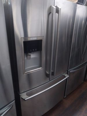 Electrolux French door like new touch screen for Sale in Fullerton, CA