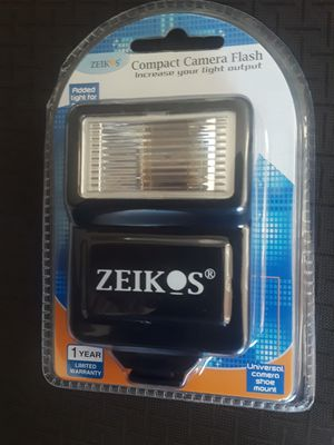 """""""Zeikos Compact Camera Flash ZE-DS6. Condition is New for Sale in Buena Park, CA"""