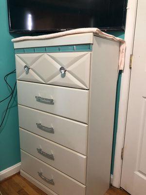 Full bedroom set for Sale in Hyattsville, MD
