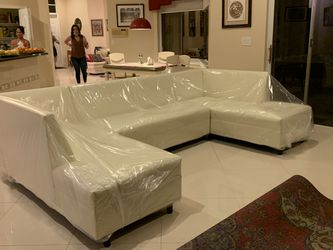 Shape U Sectional Couch for Sale in Miami,  FL
