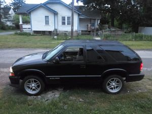96 Chevy blazer with 20'inch wheels for Sale in Columbus, OH
