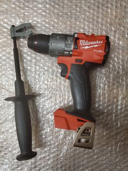 BRAND NEW, Milwaukee M18 FUEL 18-Volt Lithium-Ion Brushless Cordless 1/2 in. Hammer Drill/Driver (Tool-Only)NUEVO for Sale in Henderson,  NV