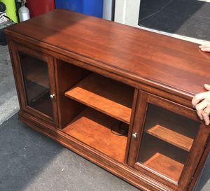 Bassett TV Stand for Sale in Lake Forest, CA