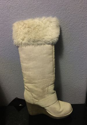 Pearl colored Aldo snow heel boots for Sale in Denver, CO