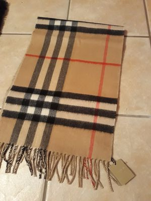 Authentic Burberry cashmere fringe scarf new for Sale in Palos Hills, IL